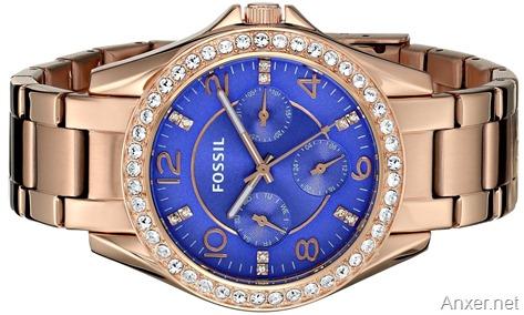 Reloj Fossil para dama color dorado con azul de acero y cristales